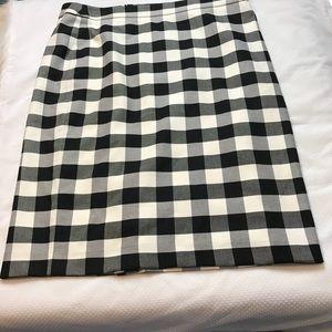 Ann Taylor Plaid Check Black white gray skirt 14